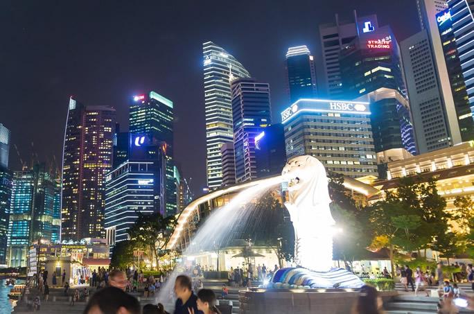 シンガポールの高層ビル賃料、需要の鈍化により7%の下落