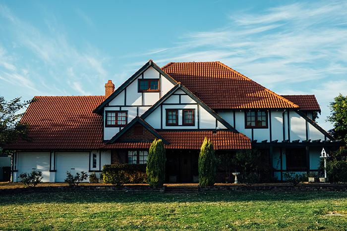 イギリスの住宅価格は予想に反し急騰